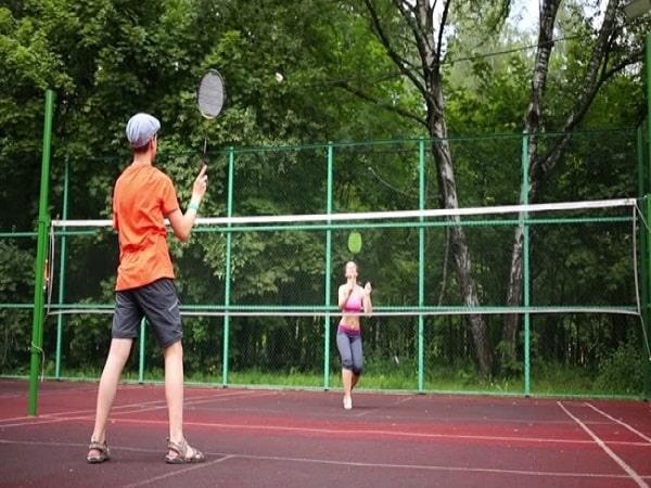 Mơ thấy chơi cầu lông có điềm báo gì và đánh số nào?